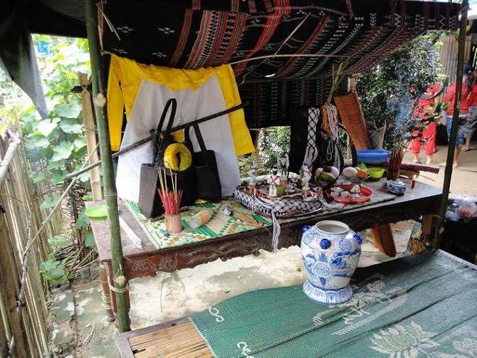 Kỳ bí lễ bỏ mả của đồng bào dân tộc Ka Tu ở miền Tây xứ Huế