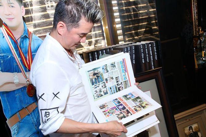 Mr Đàm khoe BST giải thưởng cất trong căn biệt thự sang trọng - Ảnh 9