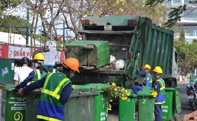 """TP.HCM: Nguy cơ công nhân không gom rác vì bị """"treo"""" lương - Ảnh 1"""
