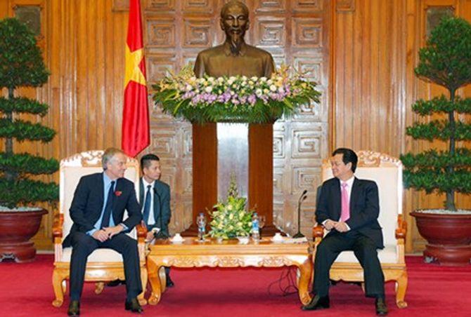 Thủ tướng Nguyễn Tấn Dũng tiếp nguyên Thủ tướng Anh 4