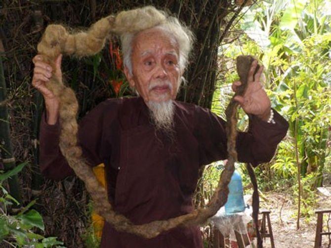 Những người sở hữu mái tóc dài nhất Việt Nam 5