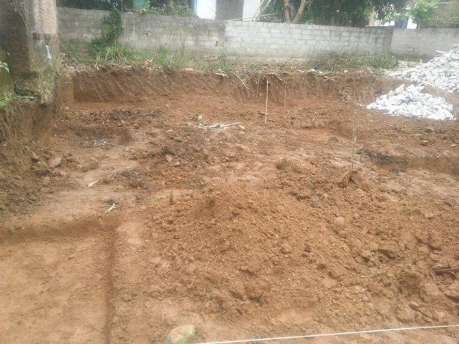 Hãi hùng đào móng nhà, tìm thấy 11 bộ xương - Ảnh 3