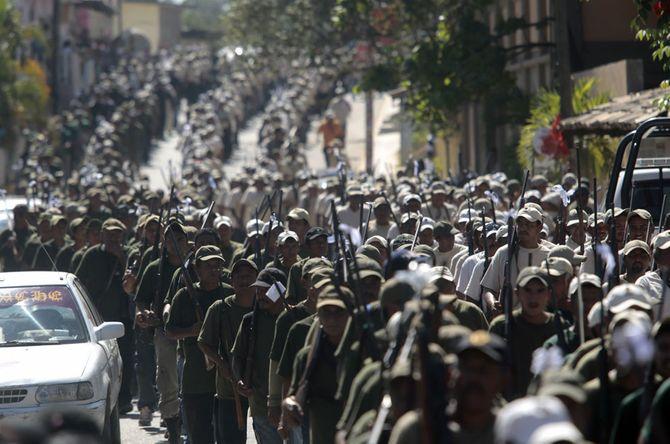 Hình ảnh  tự vệ chống các băng đảng ma túy ở  Mexico - Ảnh 3