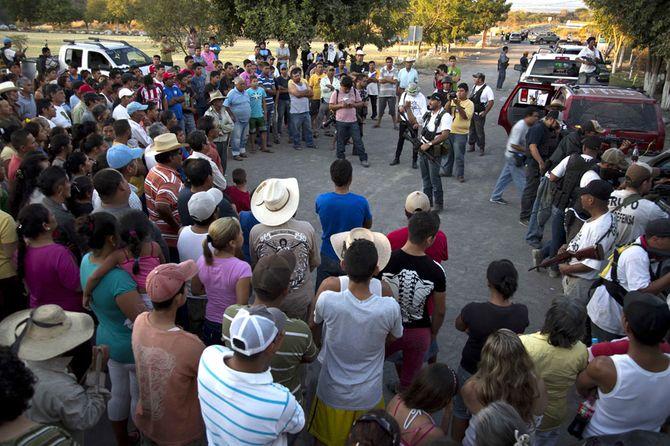 Hình ảnh  tự vệ chống các băng đảng ma túy ở  Mexico - Ảnh 5