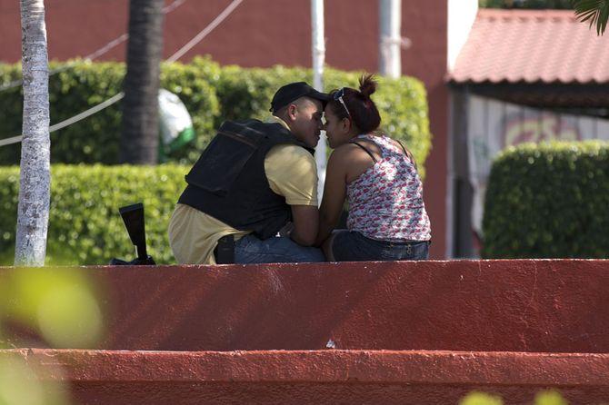 Hình ảnh  tự vệ chống các băng đảng ma túy ở  Mexico - Ảnh 9