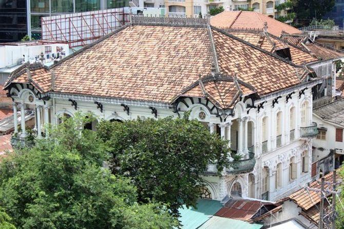Biệt thự 100 tuổi giữa Sài Gòn được rao bán hơn 700 tỷ - Ảnh 1