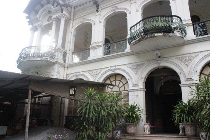 Biệt thự 100 tuổi giữa Sài Gòn được rao bán hơn 700 tỷ - Ảnh 3