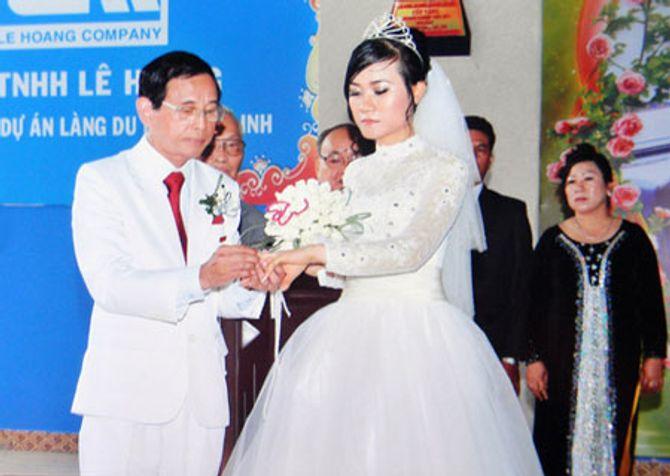 """Cuộc đời kỳ lạ của đại gia Lê Ân nổi tiếng """"chơi ngông"""", 6 đời vợ - Ảnh 2"""