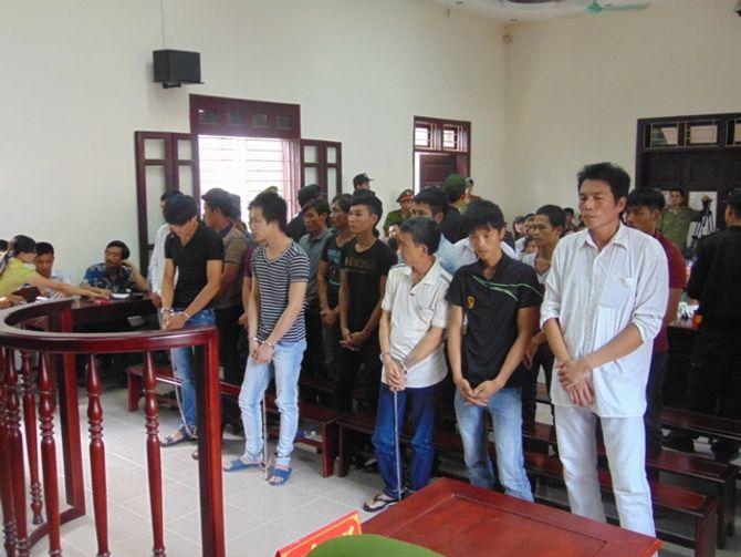 """Thanh Hóa: Xét xử 19 bị cáo trong vụ """"hỗn chiến sông Yên"""""""