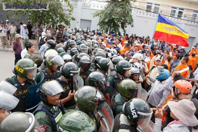 Đại sứ quán VN tại Campuchia bị quấy rối