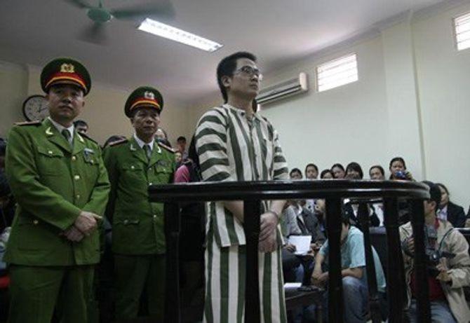 Hình ảnh Nguyễn Đức Nghĩa từ thuở học trò đến khi bị tử hình - Ảnh 16