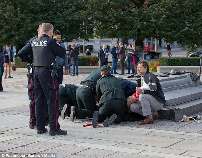 Hiện trường vụ xả súng kinh hoàng ở tòa nhà Quốc hội Canada - Ảnh 3
