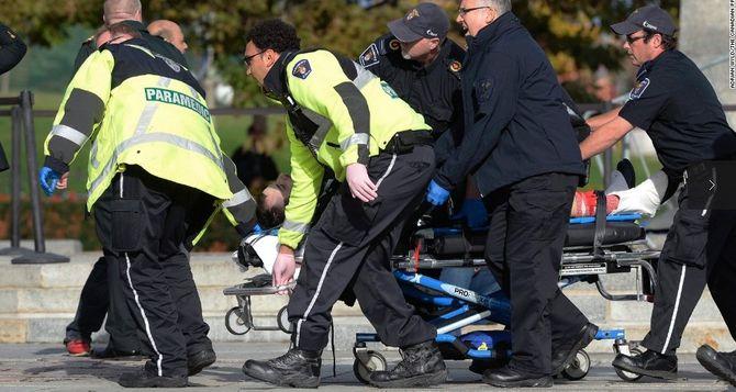 Hiện trường vụ xả súng kinh hoàng ở tòa nhà Quốc hội Canada - Ảnh 4