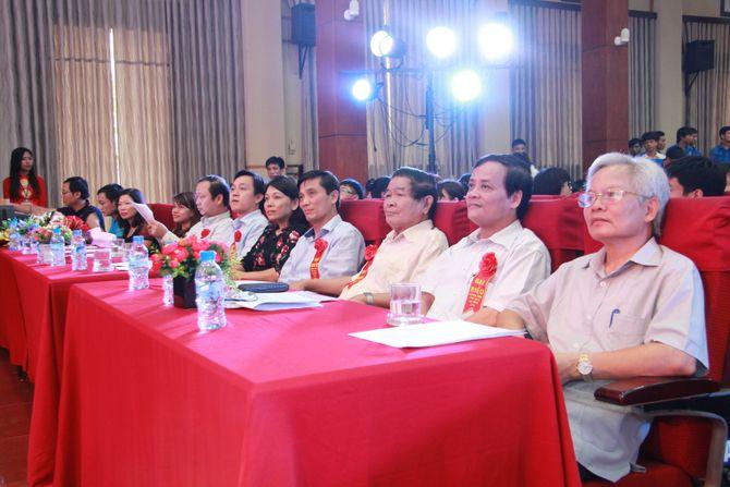 Tưng bừng ngày hội sinh viên Lạc Hồng Phú Thọ tại Hà Nội