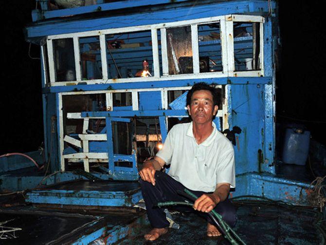 Hai tàu cá Quảng Ngãi bị tấn công ở ngư trường Hoàng Sa - Ảnh 2