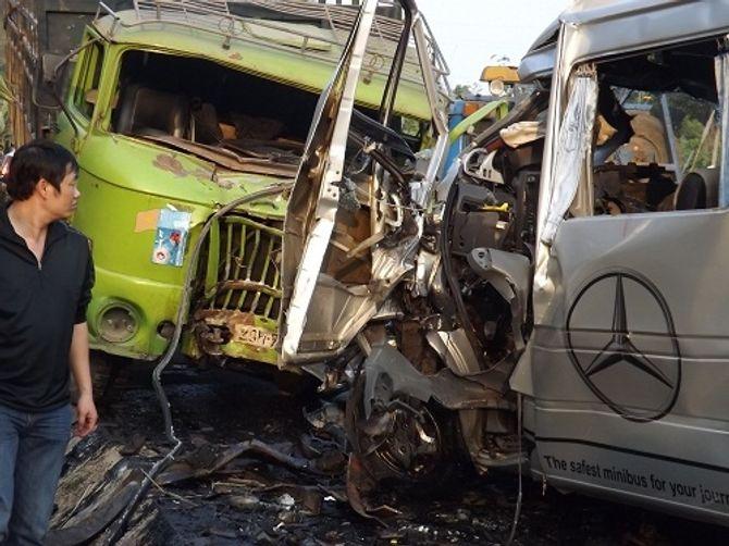 Tai nạn 10 người chết ở Thanh Hóa: Tài xế kể lại giây phút kinh hoàng 6
