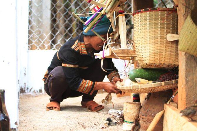 Độc đáo lễ bỏ mả của dân tộc thiểu số Tây Nguyên - Ảnh 3