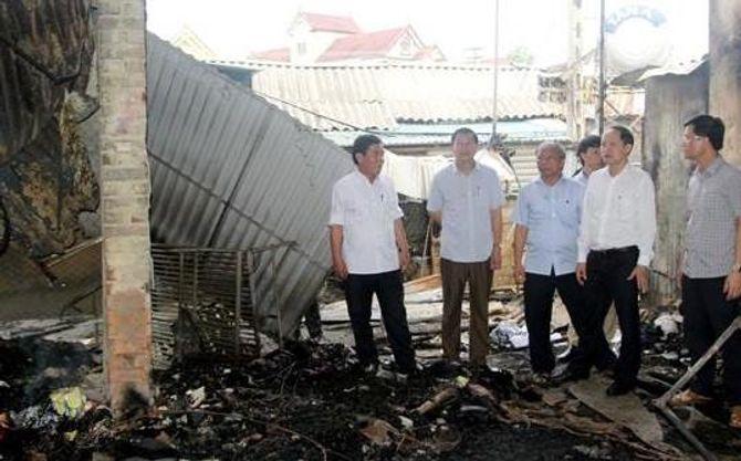 Khẩn trương khắc phục hậu quả vụ cháy chợ Bộng tại Hà Tĩnh - Ảnh 1