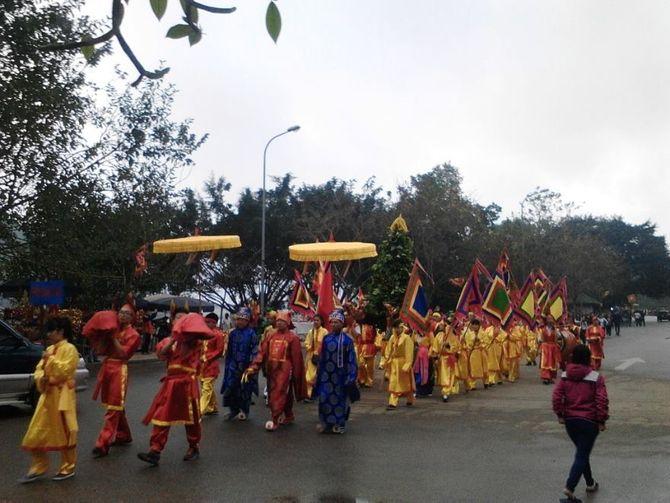 Hỗn chiến tại Lễ hội Đền Gióng: 'Phong tục cũ xưa đã bị biến dạng' 5