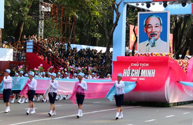 Cận cảnh tổng duyệt mít tinh, diễu binh mừng 40 năm thống nhất đất nước - Ảnh 14