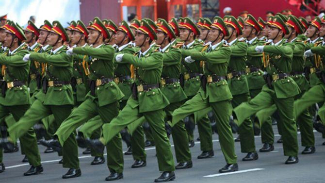 Cận cảnh tổng duyệt mít tinh, diễu binh mừng 40 năm thống nhất đất nước - Ảnh 6
