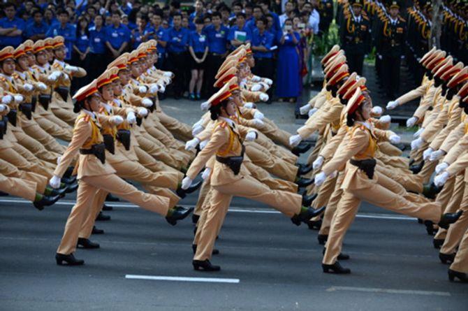 Cận cảnh tổng duyệt mít tinh, diễu binh mừng 40 năm thống nhất đất nước - Ảnh 11