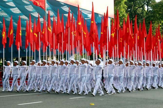 Cận cảnh tổng duyệt mít tinh, diễu binh mừng 40 năm thống nhất đất nước - Ảnh 1