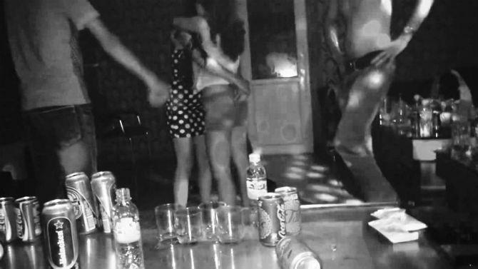 Đập đá, thoát y và những cuộc bán dâm ngay tại quán karaoke 6