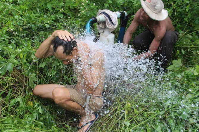 Thung lũng Đồng Nai có hàng chục giếng nước tự phun trào - Ảnh 1