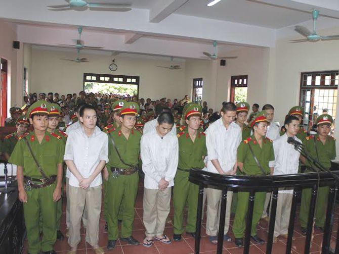 """Hôm nay , xét xử vụ """"quan tài diễu phố"""" ở Vĩnh Phúc"""