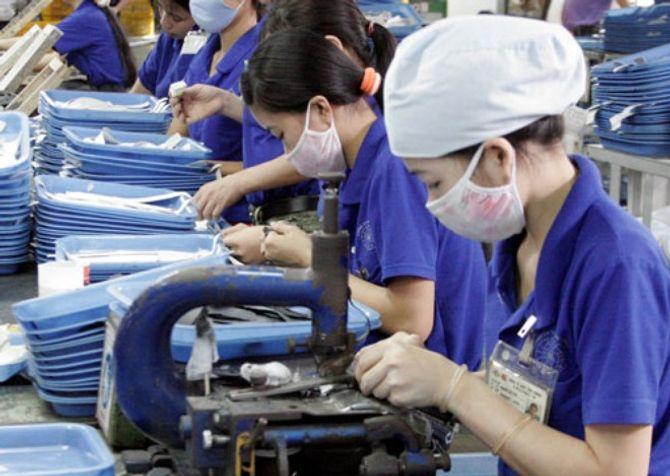 Sản xuất công nghiệp tăng trưởng ấn tượng trong năm 2015 - Ảnh 1