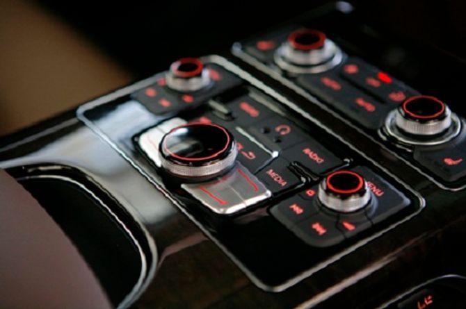 Siêu xe gây tai nạn của Hồ Ngọc Hà có thể tăng tốc 0-100 km/h trong 5 giây - Ảnh 19