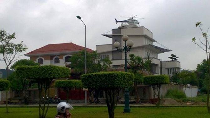 Trực thăng đậu trên nóc nhà: Đại gia lên tiếng, chính quyền vận động tháo dỡ - Ảnh 2