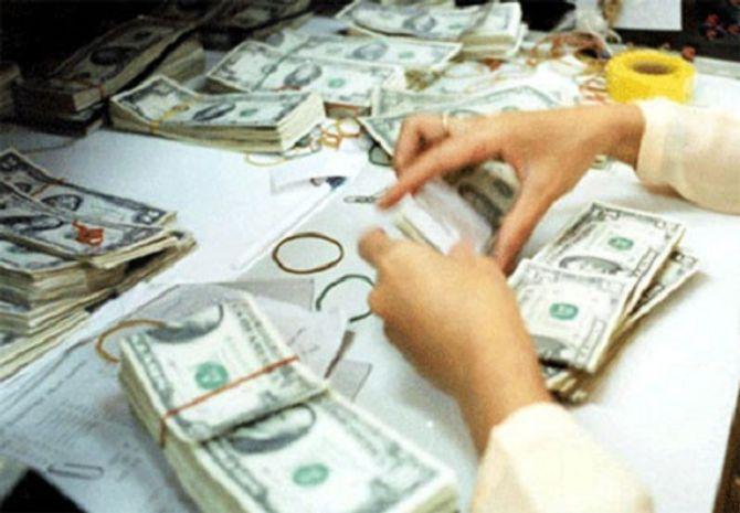 Vì sao Ngân hàng nhà nước nới tỷ giá USD/VND thêm 1%? - Ảnh 2