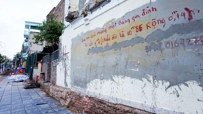 Bức tường 1,7m2 giá 1 tỷ đồng: Vì sao hàng xóm không mua?