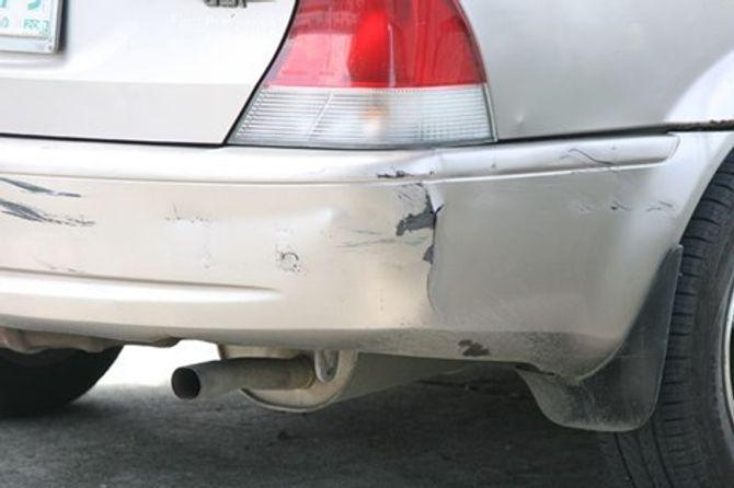 Mua ô tô cũ chơi Tết: Mẹo phát hiện xe đã bị phục chế sau tai nạn - Ảnh 2
