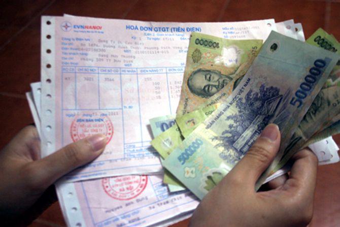 Hóa đơn tiền điện: Thay đổi cách tính, người tiêu dùng lại