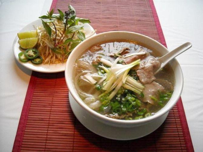 """8 món ăn bình dân Việt Nam khiến thế giới """"mê mệt"""" - 1"""
