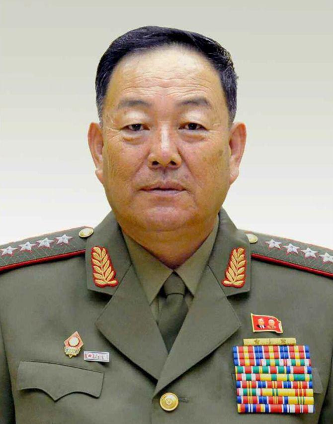 Sự thật Bộ trưởng Bộ Quốc Phòng bị Kim Jong Un xử tử vì ngủ gật? - Ảnh 2