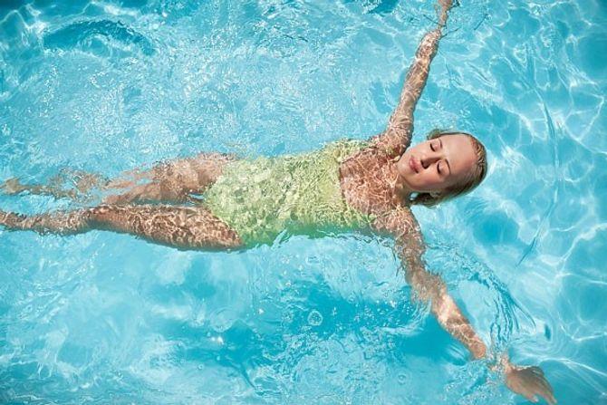 Đi bơi giải nhiệt và những nguy hiểm rình rập - Ảnh 2