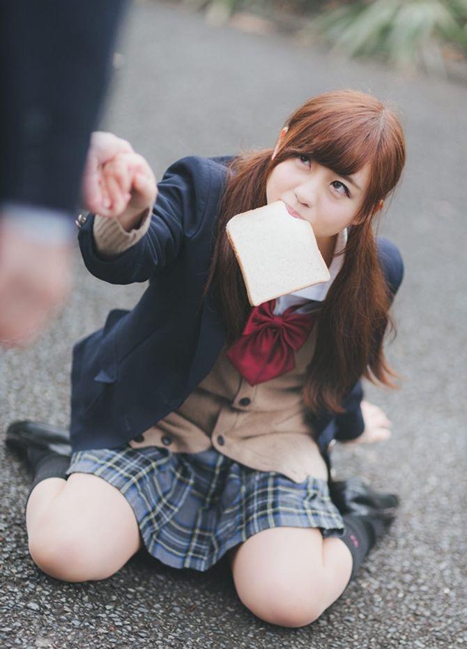 """Vì sao nữ sinh Nhật Bản luôn mặc váy ngắn kiểu """"thủy thủ""""?"""