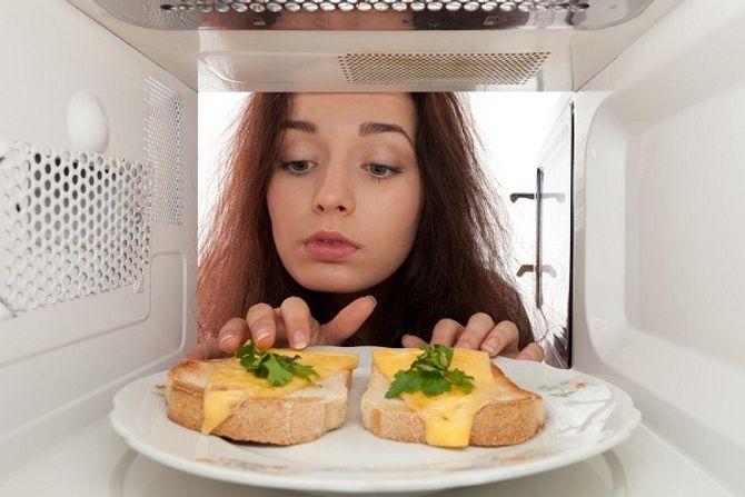 Những hiểm họa ngay trong nhà bếp của bạn - Ảnh 2