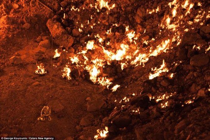 """Miêu tả gây sốc của người đàn ông đầu tiên đi vào """"cổng địa ngục"""" - Ảnh 3"""
