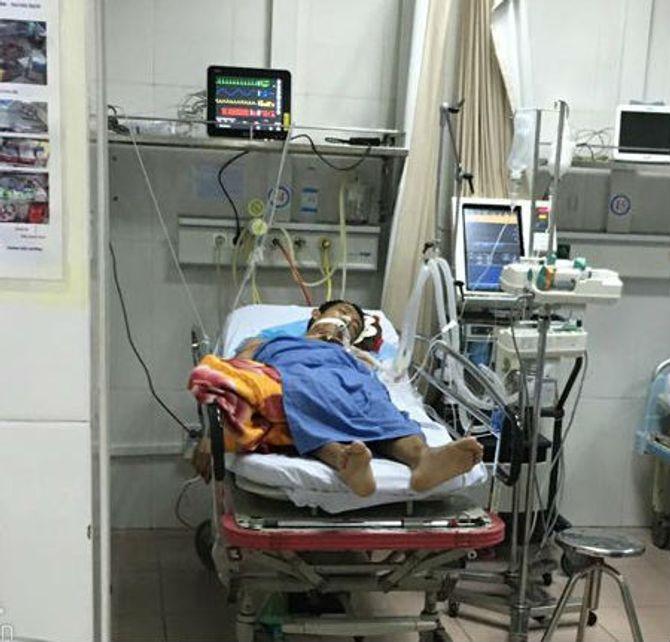 """Vụ """"taxi điên"""" trên cầu vượt Thái Hà: Thất thần giây phút tài xế nhảy cầu tự tử - Ảnh 2"""