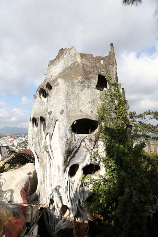 """Trải nghiệm """"lạnh gáy"""" ở những địa điểm kỳ bí nhất Việt Nam - Ảnh 4"""