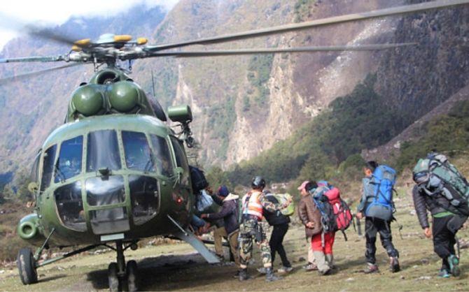 Thông tin mới nhất về động đất kinh hoàng ở Nepal