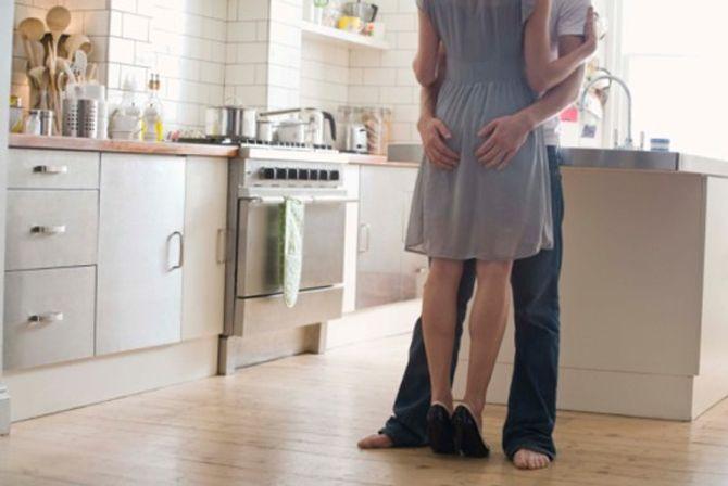 Đau đớn chứng kiến chồng ngoại tình với người giúp việc