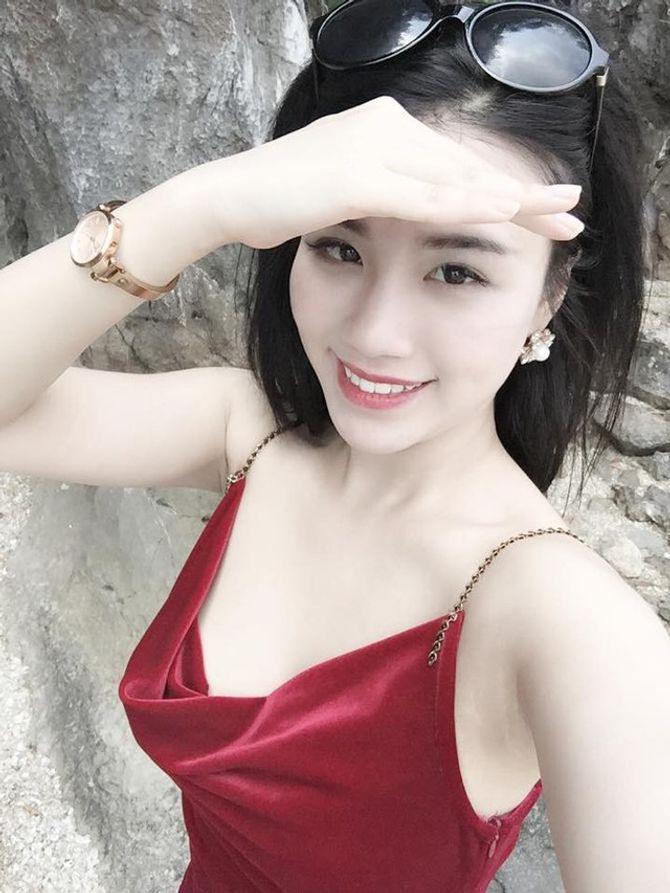 Hé lộ bí mật của hotgirl V-biz chuyên diễn cảnh nóng Linh Miu - Ảnh 1