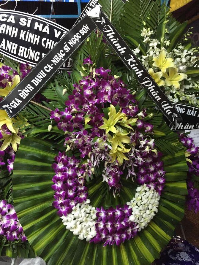 Hồ Ngọc Hà lặng lẽ đến chia buồn với gia đình Đàm Vĩnh Hưng - Ảnh 3