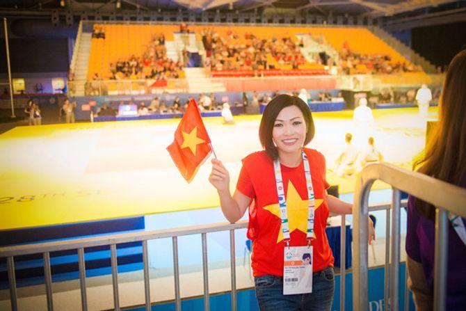 Phương Thanh khóc khi VĐV Ánh Viên giành 2 huy chương vàng - Ảnh 2